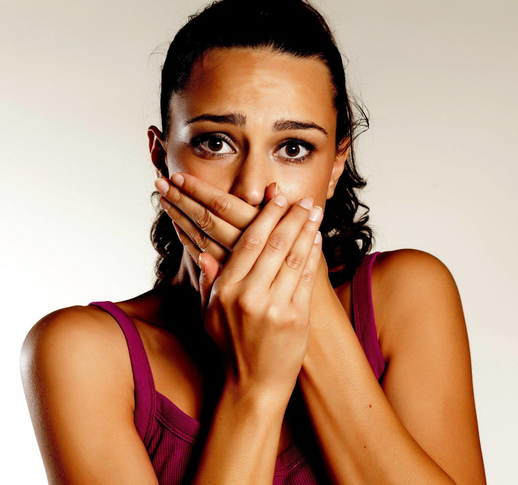 Ağız Kokusu Nasıl Giderilir ? Kadın Sağlık  kokusu giderilir