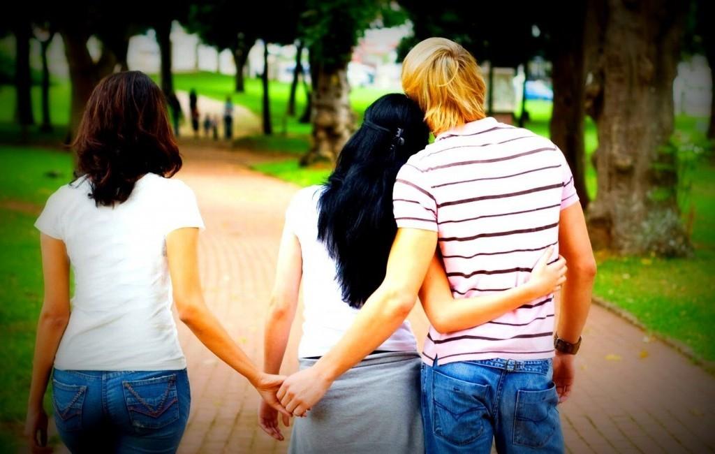 Aldatan erkek belirtileri nelerdir ? Kadın  nelerdir erkek belirtileri aldatan