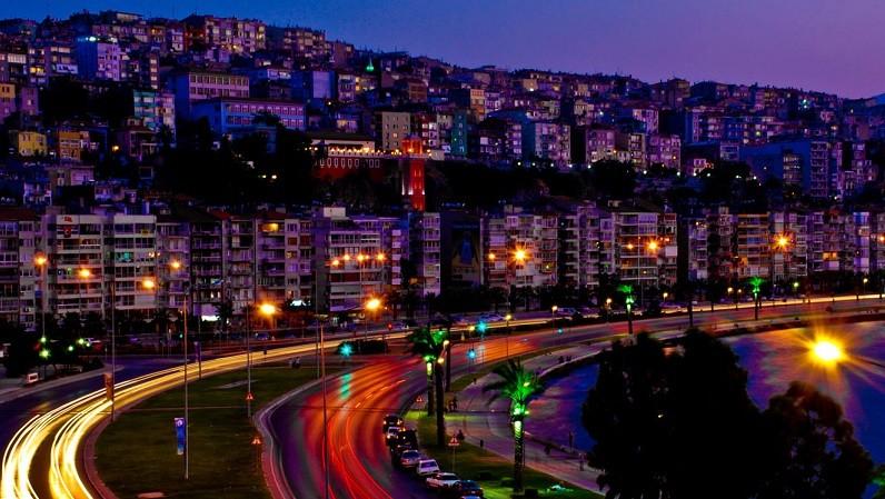 İzmirde hava kaçta kararıyor Hava  zmirde karar