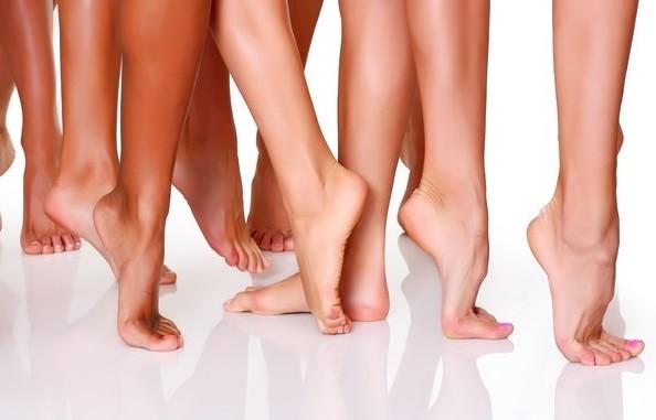Ayaklar neden çatlar ? Sağlık  neden ayaklar atlar