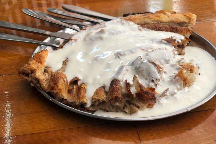 Saraybosna'da Tatmanız Gereken Lezzetler Gezi  sarybosna saraybosna'da nerede ne yenir saraybosna'da ne alınır saraybosna yemekleri saraybosna türk lokantası saraybosna trileçe saraybosna en iyi börekçi