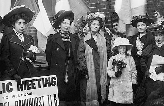 Kadın hakları için savaşan kadınlar Kadın Sosyal Medya  kadın